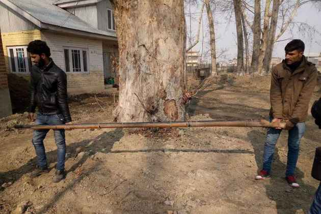 Now Punt Guns Seized From Kashmir's Wullar Lake