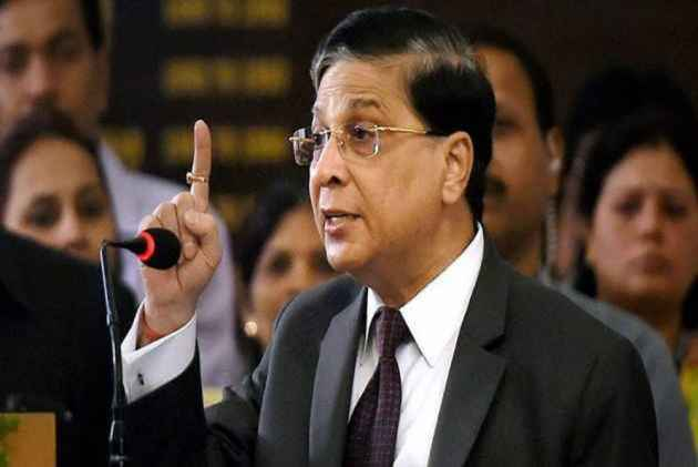CJI Dipak Misra Meets Four Rebel Judges Over Coffee to Bridge Differences