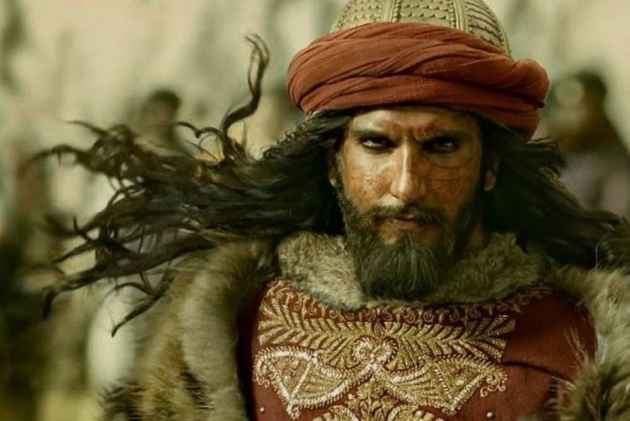 <em>Padmaavat</em> Review: If Anyone Needs to Protest (Peacefully) It Is The Descendants Of Khilji, Not Karni Sena