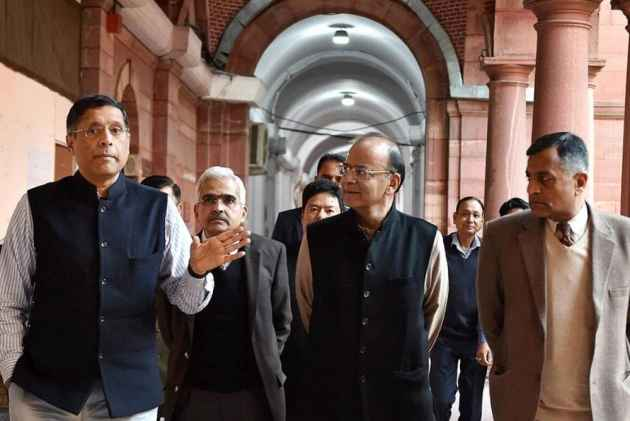 What Experts Said About The Economic Survey Of India 2017-18