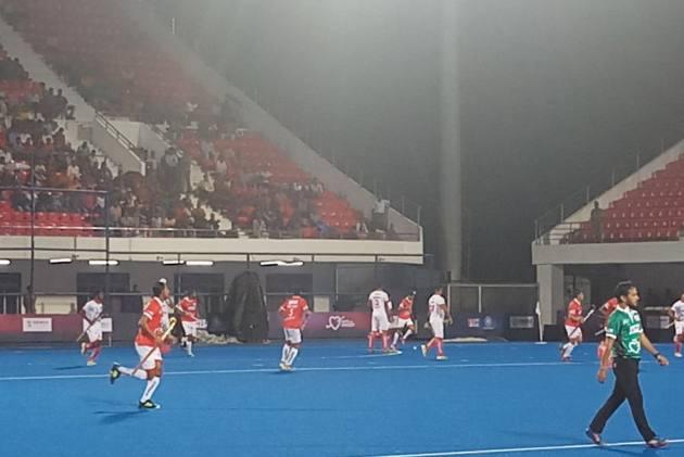 Indian Legends, CM Patnaik Brave Cyclone 'Titli' At Refurbished Kalinga Stadium