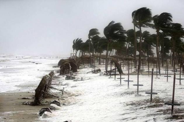 Cyclone 'Titli' Intensifies Into Very Severe Cyclonic Storm, Moving Towards Odisha-Andhra Coast