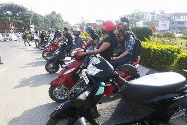 Chandigarh: Sikh Women Exempted From Wearing Helmets, Says Home Ministry