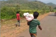 In Dana Majhi Rerun, Man In Odisha Carries Body Of Daughter Killed By Cyclone Titli For 8 Km