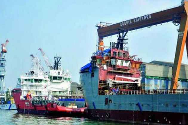 Explosion on under repair ship in Cochin Shipyard; Centre seeks report