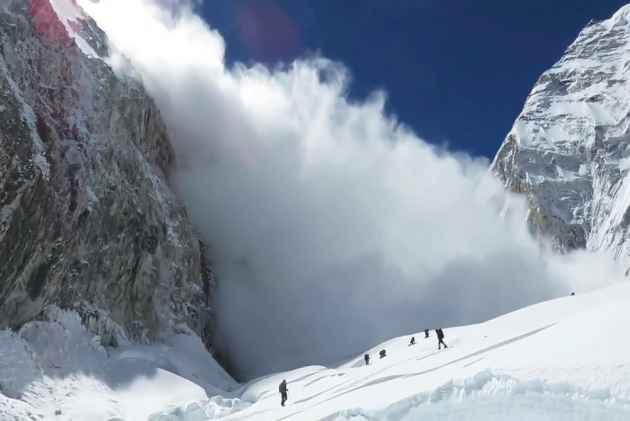 Russian skier killed by avalanche in Gulmarg