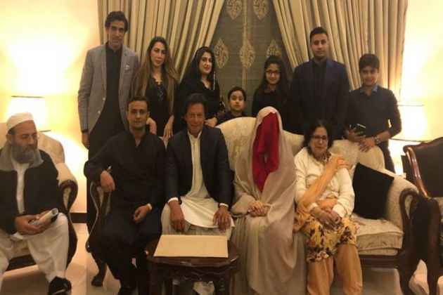 Imran Khan Ties Knot For A Third Time, Marries 'Spiritual Adviser' Bushra Maneka