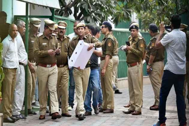 Rajnath Singh meets LG, to discuss CS assault