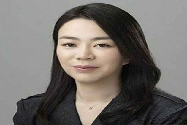 Korean Air 'nut rage' heiress returns to firm