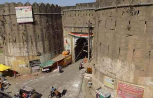 Inside A Protected 17th Century Fort In MP, An Illegal Temple That Glorifies Sati Comes Up