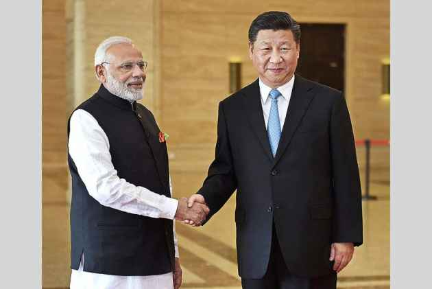 PM Modi, Chinese President Jinping visit East Lake at Wuhan
