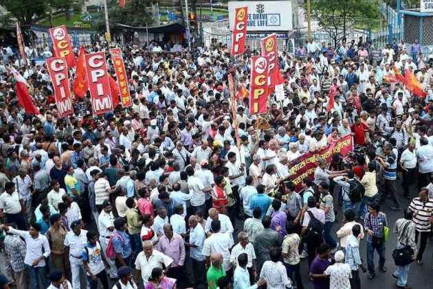 CPI(M) worker slashed to death in Kannur, RSS activist killed in revenge