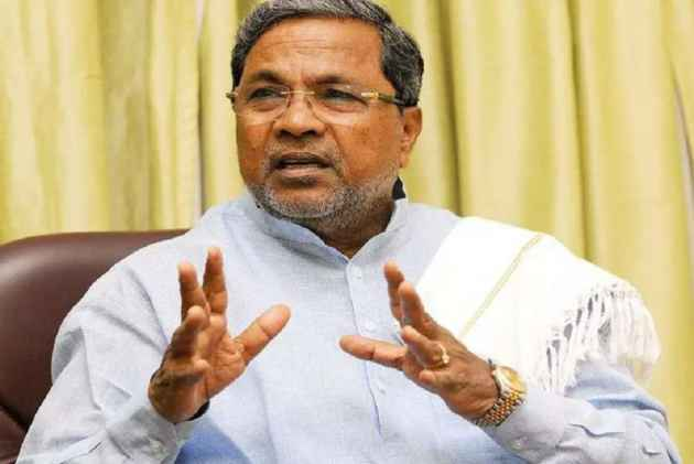 Siddaramaiah slaps legal notice on Narendra Modi over 'corrupt' remark