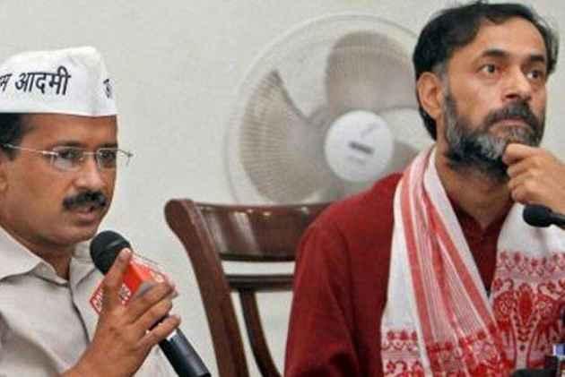 Kejriwal Extends Support To Yogendra Yadav, Says Modi Govt Should Stop 'Vendetta Politics'