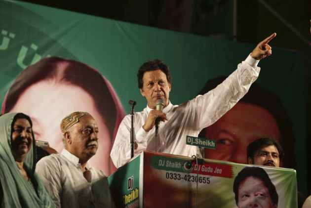 Imran Khan declares victory in Pak. election