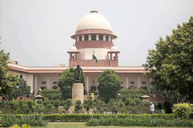 Aadhaar Case: SC Declines Centre's Offer To Submit Srikrishnan Committee's Report On Data Protection