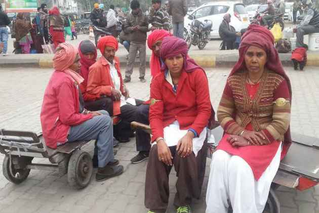 No Changing Room At Stations: Northern Railway Women Workers Demand Change In Uniform