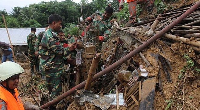 Destruction, debris mar Bangladesh mudslide rescue; 140 dead
