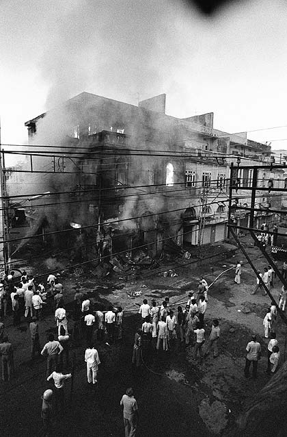 the bhopal disaster essay Read this essay on bhopal the bhopal disaster was a gas leak incident in india, considered as the world's worst industrial disaster ever known to mankind.