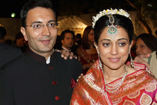 Outlook Photogallery Mos For Petroleum Natural Gas Jitin Prasada And His Bride Neha Seth A Political Journalist During Reception Of Their Wedding In