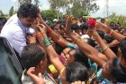 <b>Like father</b> Supporters reach out to Jaganmohan Reddy during the yatra
