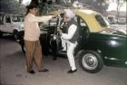<b>The driver</b> Manmohan arrives for a CWC meeting at Sitaram Kesri's house, Delhi 1997