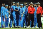 <b>Line of control</b> The Indians wait for the review of the 'not out' decision in favour of Ian Bell in the India-England tie, Bangalore, Feb 27