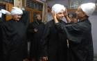 An SSARL founder, Vivek Raina, gets his Kashmiri dastar adjusted
