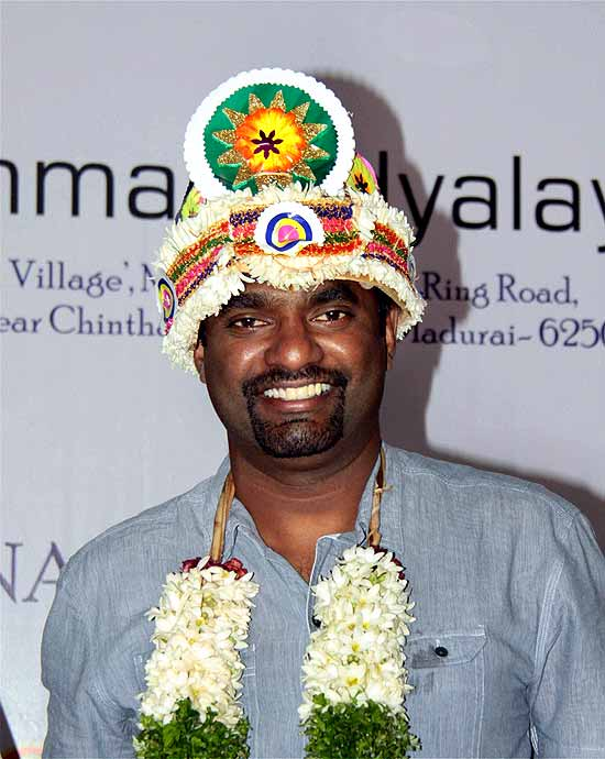 essay about muttiah muralitharan Father and mother of muthiah muralitharan are sinnasamy muttiah and lakshmi respectively he is from sri lanka and holds the world record for the highest wicket taker in odi (519) and tests (800.