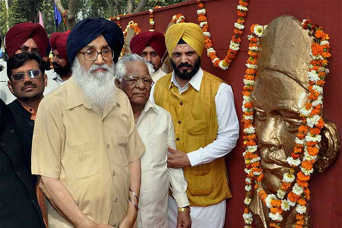 Relative Of Radical Sikh Leader Hurls Shoe At Punjab CM At Election Campaign