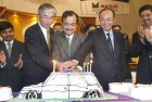 <b>Shared fortune</b> Shinzo Nakanishi, Jagdish Khattar and Kinji Saito