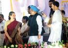 Sonia, Manmohan, Rahul at Dussehra celebrations in Ramlila maidan, Delhi