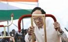 <b>Dogged by controversy</b> Devanand Konwar