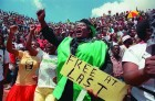 <b>Feb 12, 1990</b> Crowds at Mandela's first rally after release