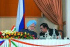 It's done PM Manmohan Singh with Mukesh Ambani. (Photograph by Jitender Gupta)