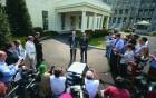 US senators John McCain, Lindsey Graham speak after a meeting with Obama