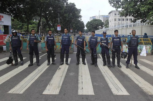 police public relationship in bangladesh Bangladesh has experienced a sharp deterioration in public security in recent years, with a surge in  ings in community-police relations are exacerbat- ed by a .