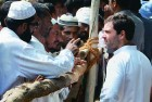 Rahul Gandhi meets Muslim riot victims at a Muzaffarnagar relief camp