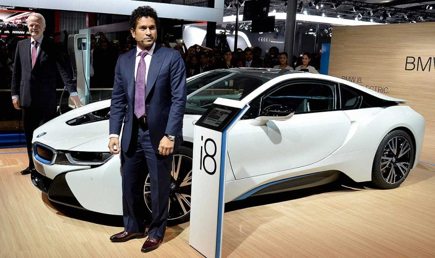 bmw automobiles essay The cars we'll be driving in the world of 2050  then there is the traffic jam assistant from bmw cars move along in a congested traffic area just like a school .
