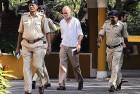 <b>Tight spot</b> Tejpal leaves Goa HC after a bail hearing