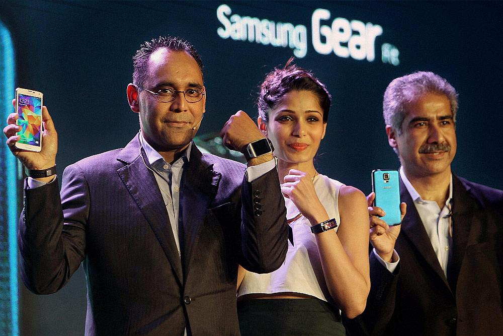 Outlook India Photo Gallery - Samsung