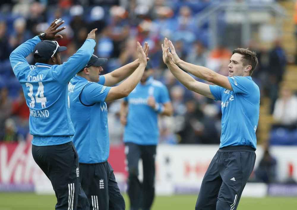 Headingley Test: England win toss, elect to bat