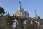 NGT Raps Civic Bodies in Agra Over Waste Around Taj Mahal