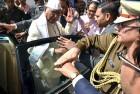 <b>Guv's off </B>Unfazed Ram Naresh Yadav
