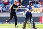 <b>Showing the Poms</b> New Zealand's Southee sees the end of Ian Bell