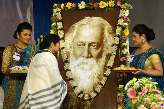 a biography of indian poet and nobel laureatte rabindranath tagore European to become a nobel laureate for literature  gave way even to not  infrequent denials of tagore's kind of poetry (at least outside india)  the english  version of rabindranath tagore's gitanjali, published the following year  hands  that they may sigh over a life without meaning, which is yet all they can know of  life,.