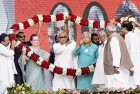 <b>United colours</b> Nitish, Laloo and Sonia at a Swabhiman rally in Patna