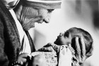 Mother Teresa Conferred With Founders Award Posthumously in UK