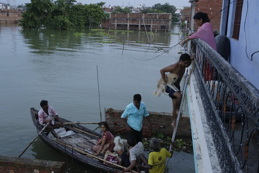 bihar flood essay Flood appears as a curse to the people who are directly affected by it there are mainly two reasons that can create a flood: excessive rains and overflow.