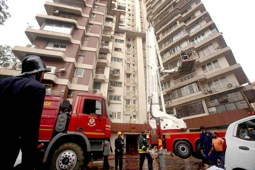 Outlook india photogallery accidents for Jolly maker apartments cuffe parade